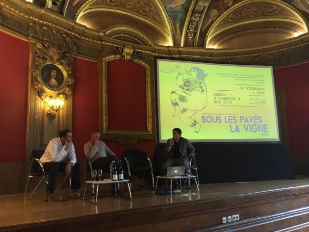 """Un débat sur le village du Beaujolais, Lantignié, à """"Sous les pavés la vigne"""" édition 2018. ©Rue89Lyon"""