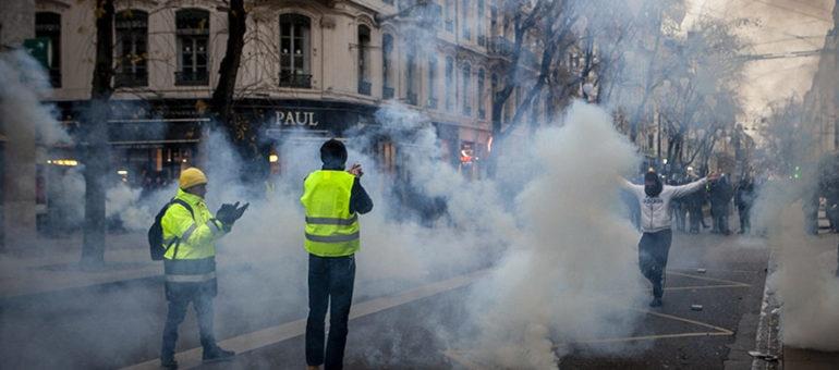 «Acte V» des «gilets jaunes» à Lyon :un millier de personnes, des manifs sauvages et une police musclée