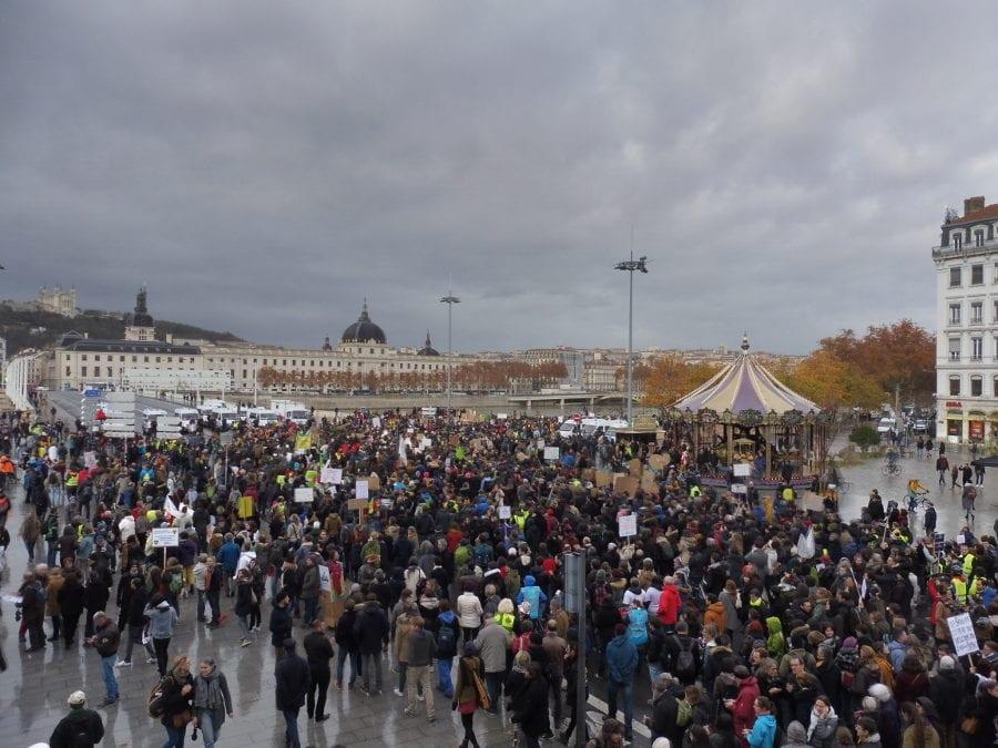 Les 7 000 (selon la Préfecture) à 10 000 (selon les organisateurs) manifestants ont terminé la marche par un rassemblement à la Guillotière. © Alexis Demoment / Rue89Lyon.