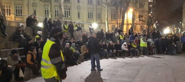 A Lyon, l'assemblée des «gilets jaunes» penche à gauche