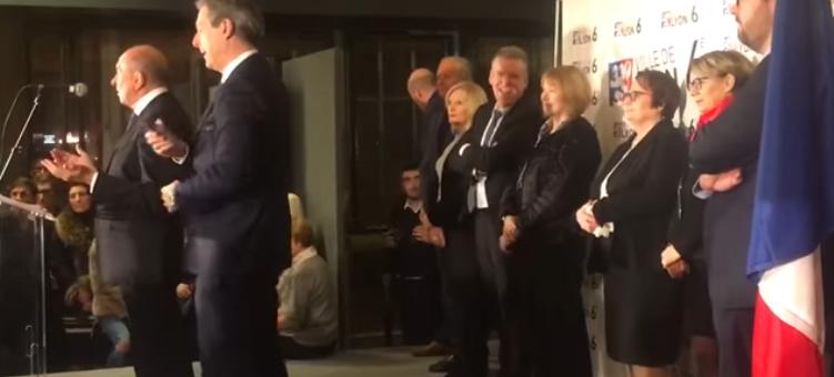 Gérard Collomb empêche une prise de parole de David Kimelfeld : un maire de 71 ans un peu puéril
