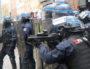 """Les forces de l'ordre en position, avant de charger, angle de la rue Paul BERT et Bonnefoi. Acte XI des """"Gilets Jaunes"""" samedi 26 janvier 2019. ©MG/Rue89Lyon"""