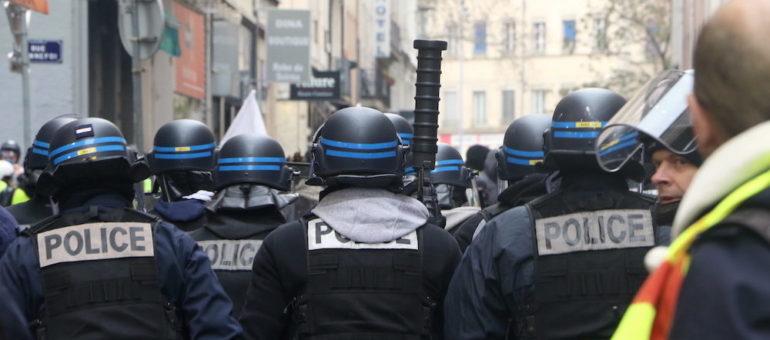 À Lyon, un rapport dénonce «un an de répression judiciaire» contre les «gilets jaunes»