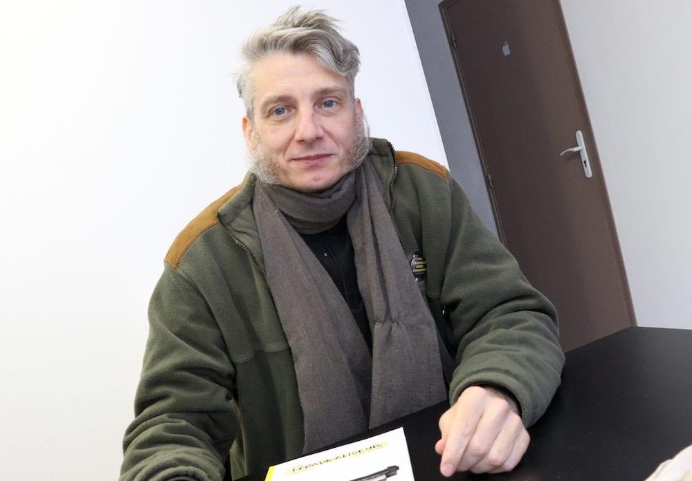 """Marc Chinal le scénariste du """"Le Déradicaliseur"""" une bande dessiné avec Mathieu Bertrand au dessin. ©MG/Rue89Lyon"""