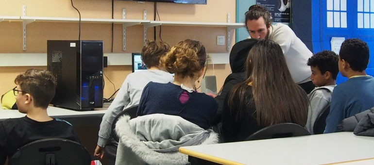 A la MJC Lyon Monplaisir, on a parlé de l'addiction aux téléphones portables