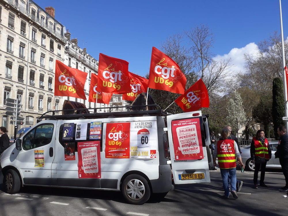 L'un des camions de l'union départementale de la CGT du Rhône. Le 19 mars à Lyon, devant la préfecture. ©LB/Rue89Lyon