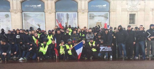 Photo de famille de militants d'extrême droite du 2 samedi 2 mars postée sur la page Facebook Ouest Casual.
