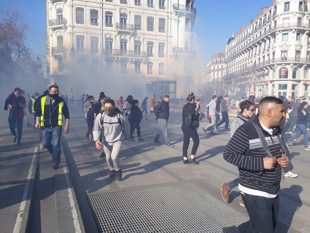 Charge de la police place de la République le 23 mars. ©LB/Rue89Lyon
