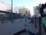 Onze trottinettes stationnées le 22 mars à 8 heures sur le trottoir devant l'entrée du collège Clémenceau. ©LB/Rue89Lyon
