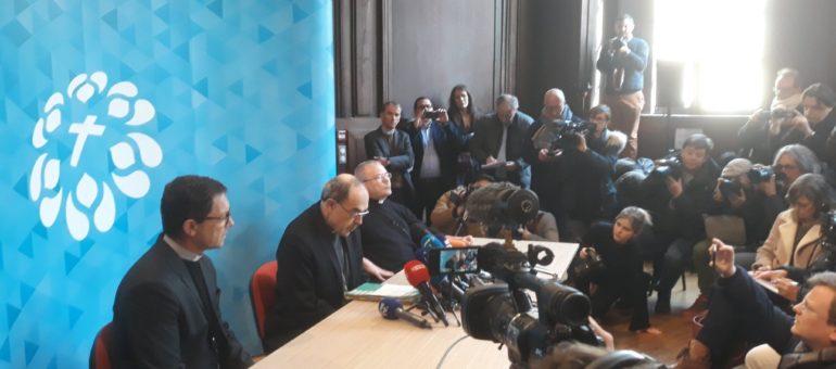 Philippe Barbarin présente sa démission de sa fonction d'évêque de Lyon au Pape François