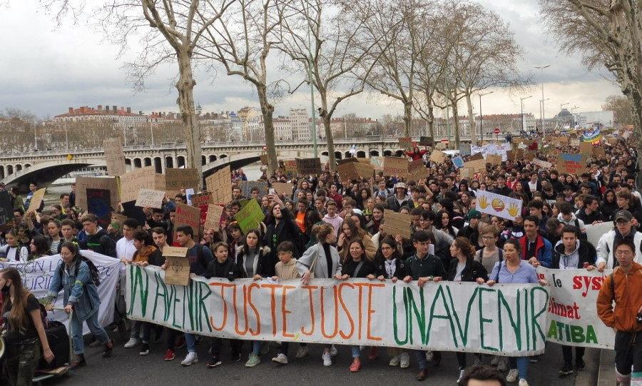 Manif lors de la première grève des jeunes pour le climat le 15 mars dernier © Alexis Demoment / Rue89Lyon.