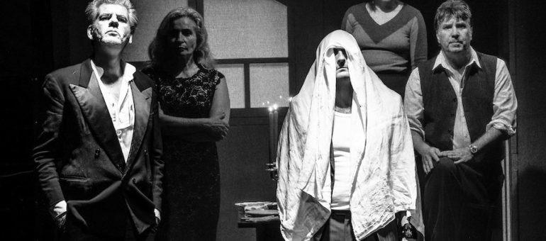 «Monsieur Bonhomme et les Incendiaires», un spectacle en flammes au théâtre de l'Elysée