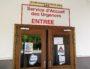 """Sur la porte des Urgences de Lyon Sud, des pancartes prévenant le patient du mouvement de grève : """"Patients-Soignants même combat"""". ©NM/Rue89Lyon"""
