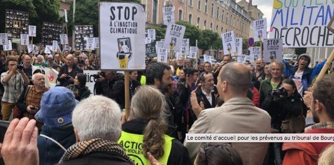 Bourg-en-Bresse : deux mondes s'affrontent au procès des décrocheurs de portraits de Macron