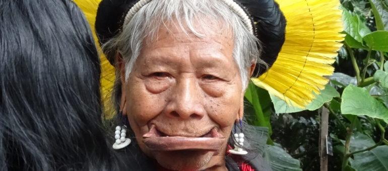 Le chef amazonien Raoni accueilli en grande pompe à Lyon : seulement pour la photo?