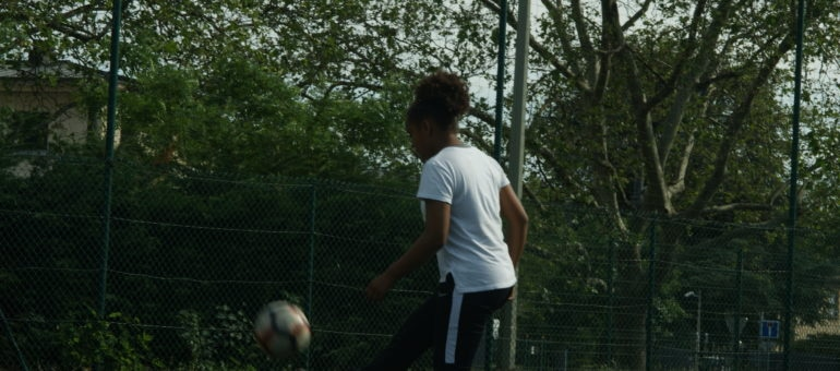 Maeva, 14 ans, footballeuse à Lyon Duchère AS: «Il y a toujours eu des ballons chez moi»