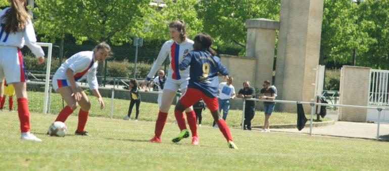 Milka, 17 ans, joueuse au FC Vénissieux : «Les garçons sont toujours prioritaires face aux filles»