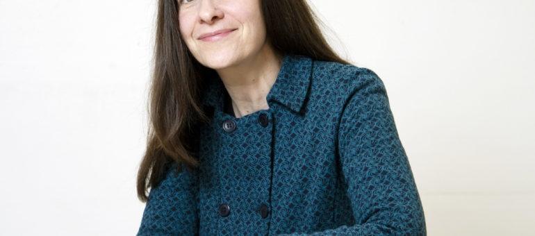 Avec Emmanuelle Pireyre, parlons manipulation génétique, démocratie et mouvements sociaux