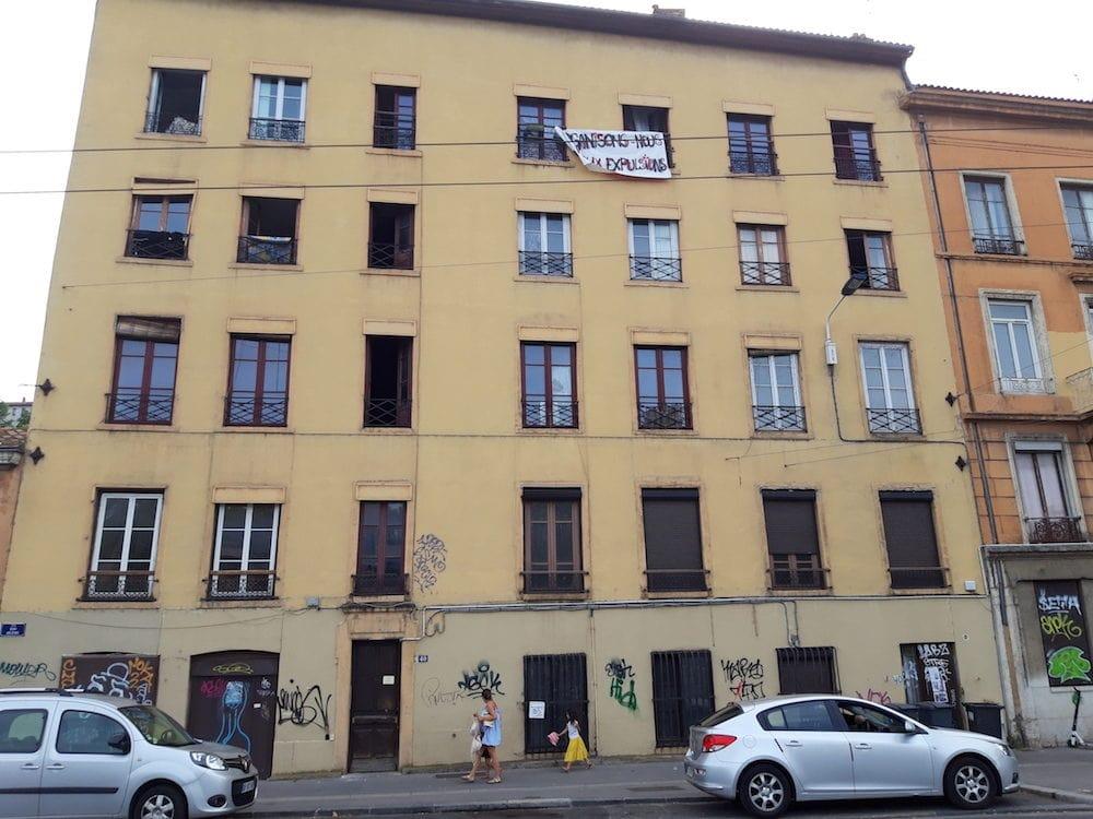 L'immeuble du quai Arloing à Vaise (Lyon 9ème) squatté depuis début juillet 2019. ©LB/Rue89Lyon