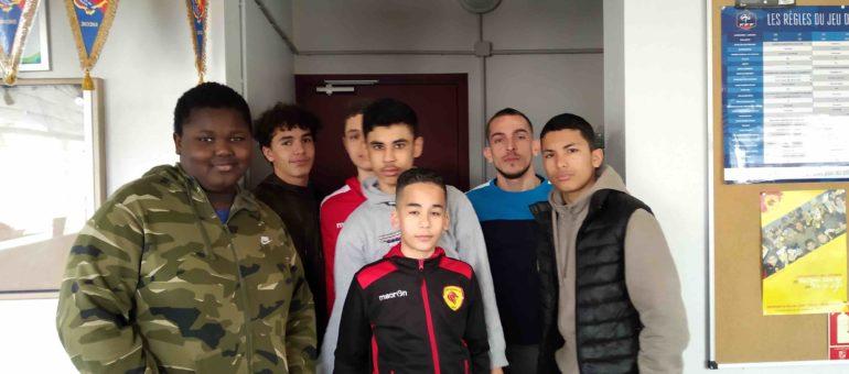 Education aux médias: les jeunes de l'AS Duchère racontent la création de l'hymne du club