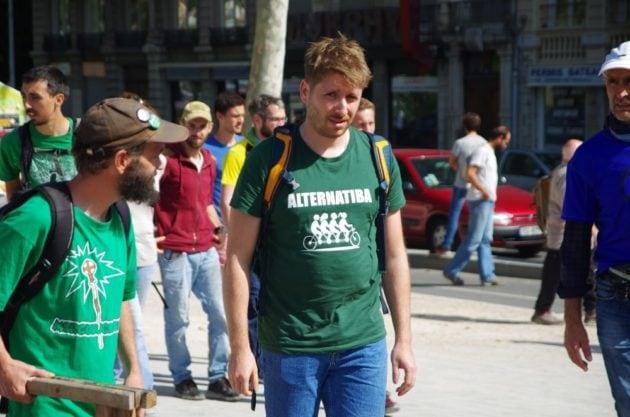 Un militant Alternatiba lors de l'action d'Extinction Rebellion ©Valentin d'ERSU/Rue89Lyon
