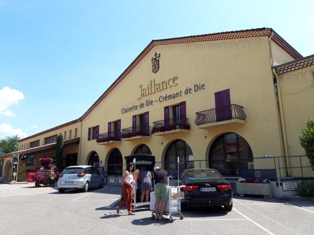 Le caveau historique de la cave coopérative à l'entrée de Die. Jaillance vend essentielle de la clairette en supermarché. L'autre partie, non négligeable, des ventes se fait au caveau auprès des touristes de la vallée de la Drôme. ©LB/Rue89Lyon