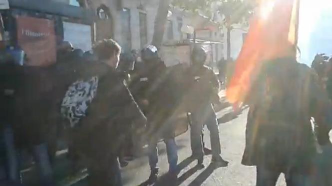 [Vidéo] Comment Arthur s'est fait emmener puis frapper par des policiers à Lyon