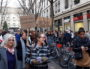 Rassemblement contre la refonte du dispositif d'hébergement d'urgence voulu par le préfet du Rhône le 28 novembre à Lyon, devant la préfecture du Rhône. ©LB/Rue89Lyon