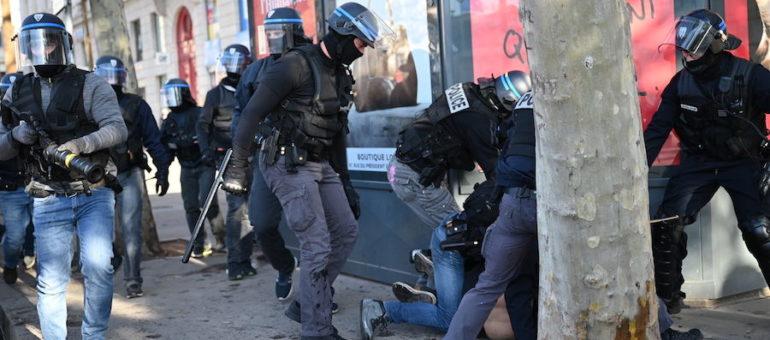 Une vidéo du passage à tabac d'Arthur Naciri, par des policiers à Lyon
