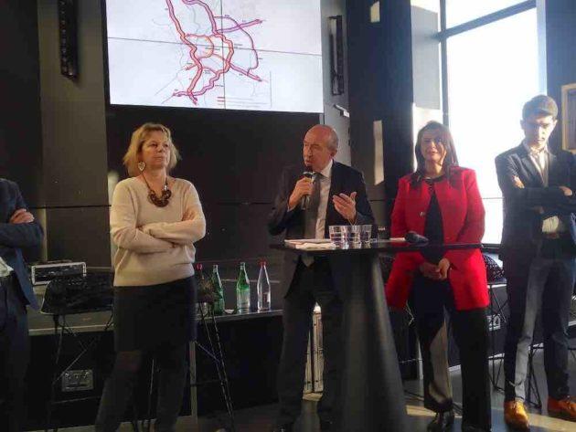 Gérard Collomb et Fouziya Bouzerda présentent l'Anneau des Sciences
