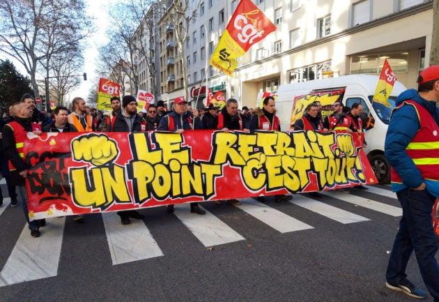 Le cortège des cheminots CGT lors de la manifestation du 9 janvier. ©LB/Rue89Lyon