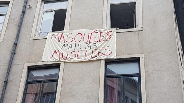 """""""Masquées mais pas muselées""""."""