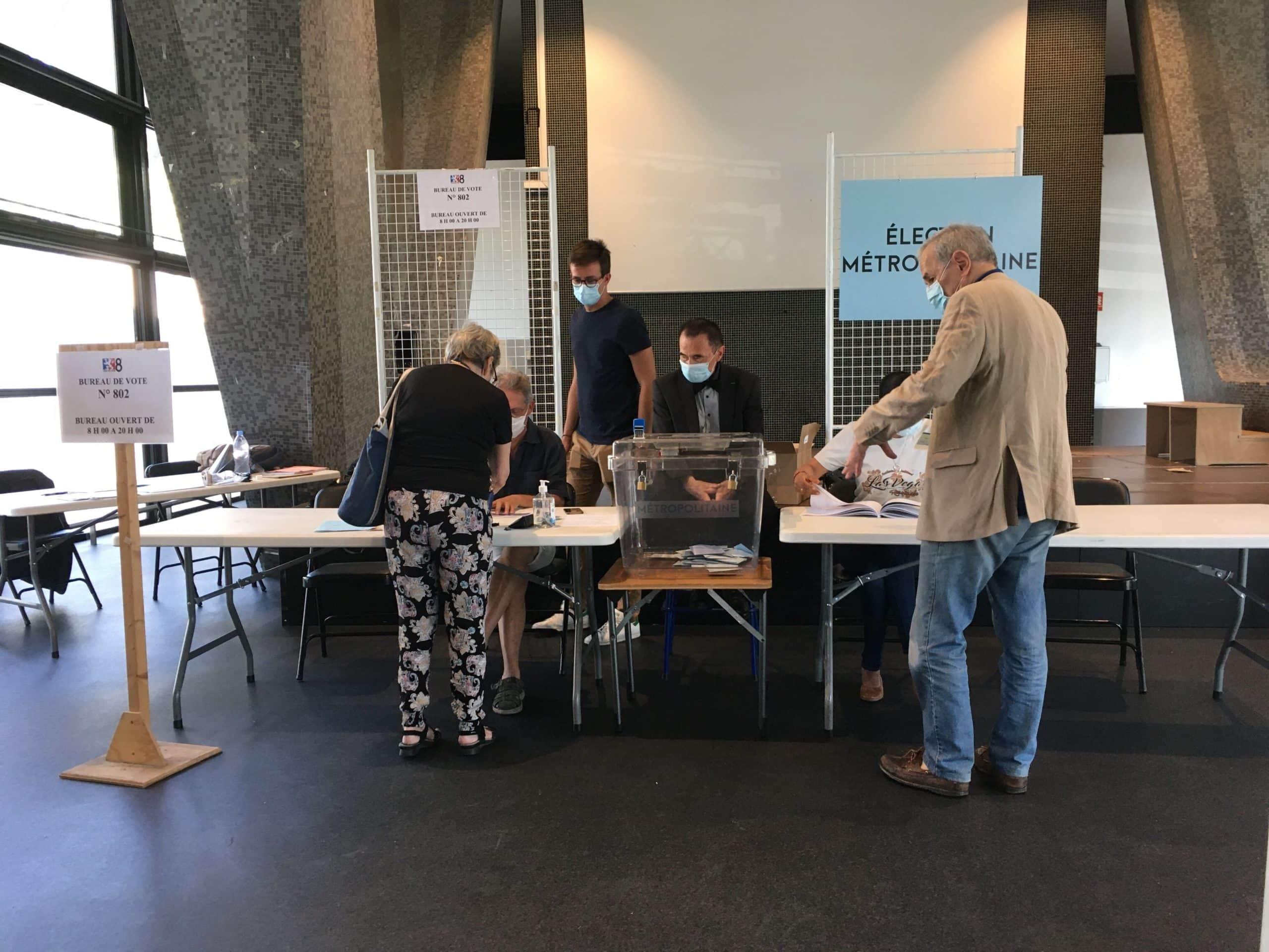 Bureau de vote dans le 8e arrondissement de Lyon. ©AB/Rue89Lyon