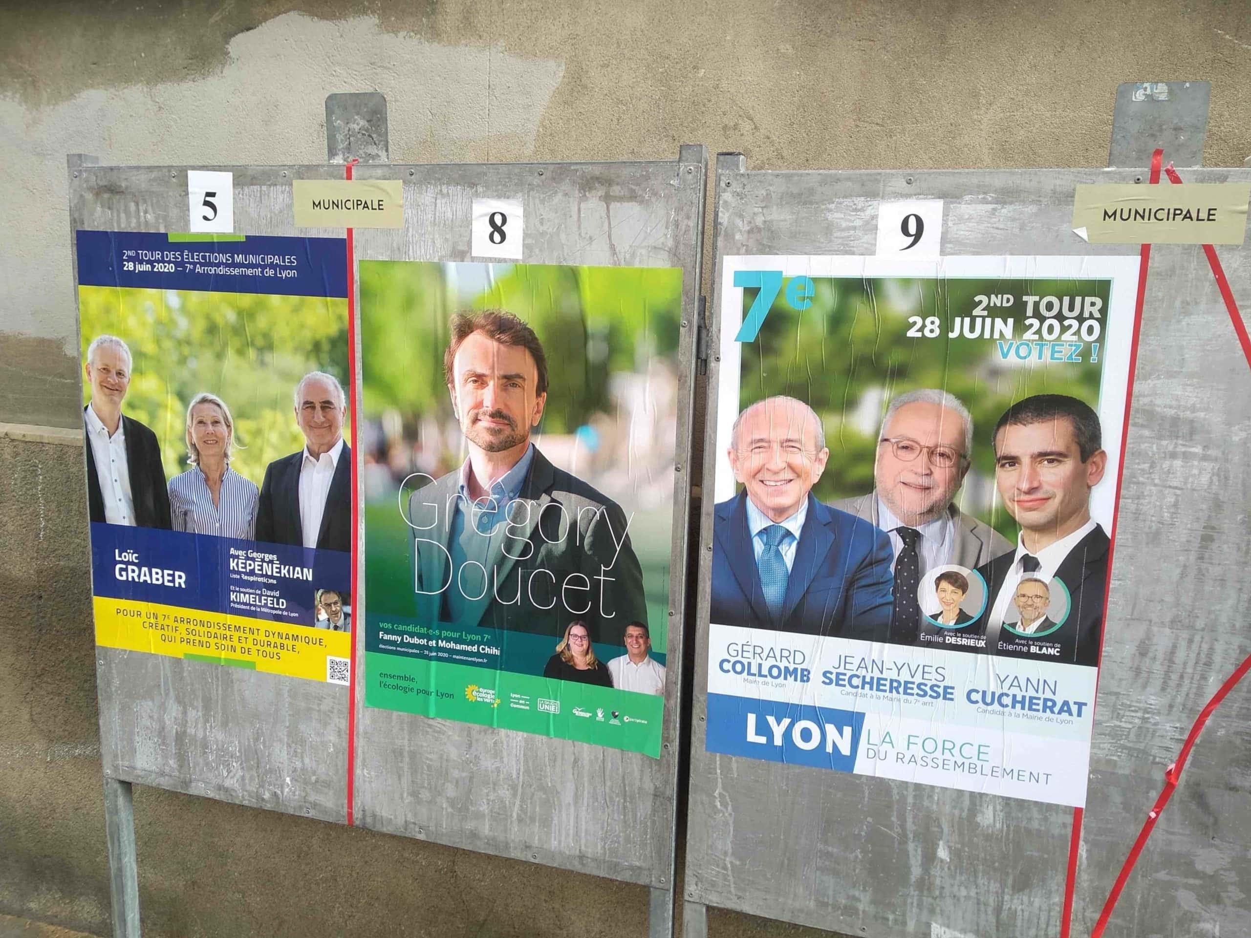 Panneau électoral pour le second tour des élections municipales à Lyon en 2020