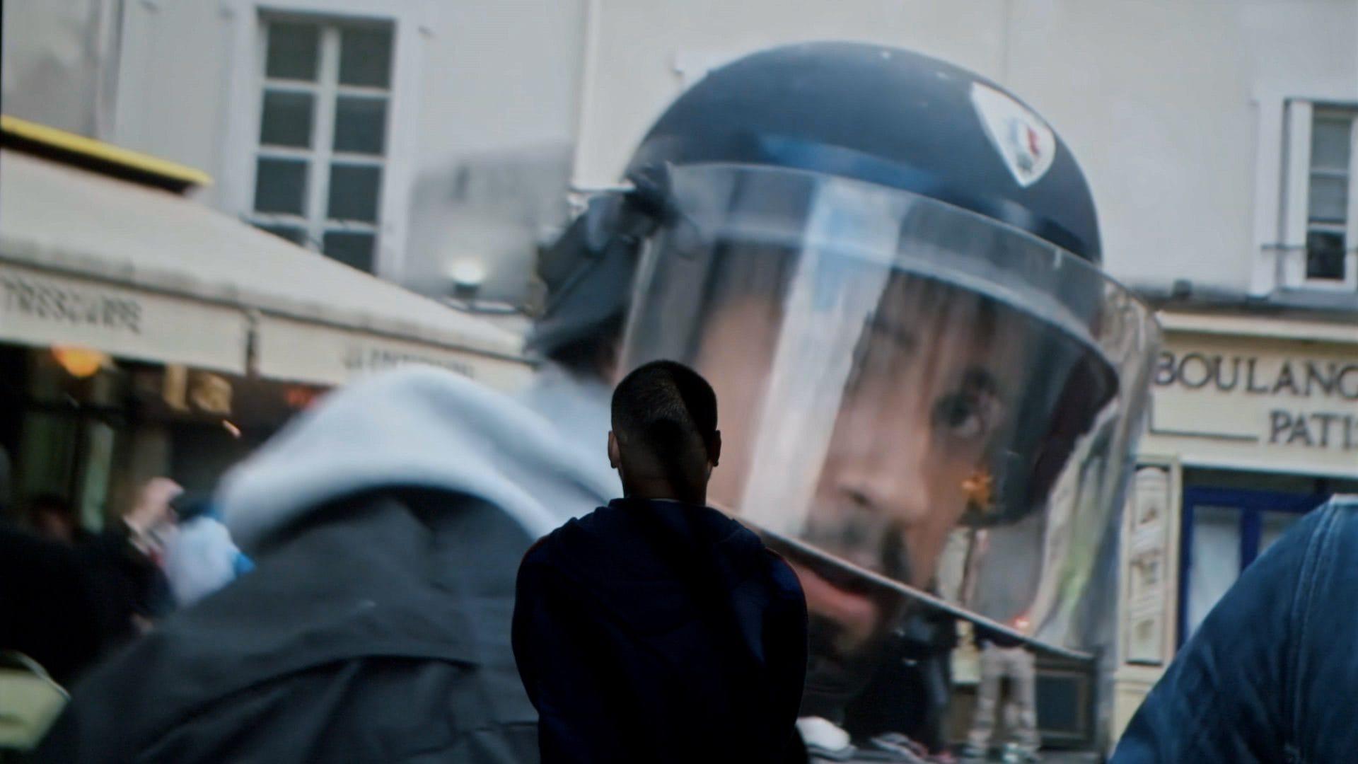 """Image extraite du film de David Dufresne """"Un pays qui se tient sage"""" © Le Bureau - Jour 2 Fête"""