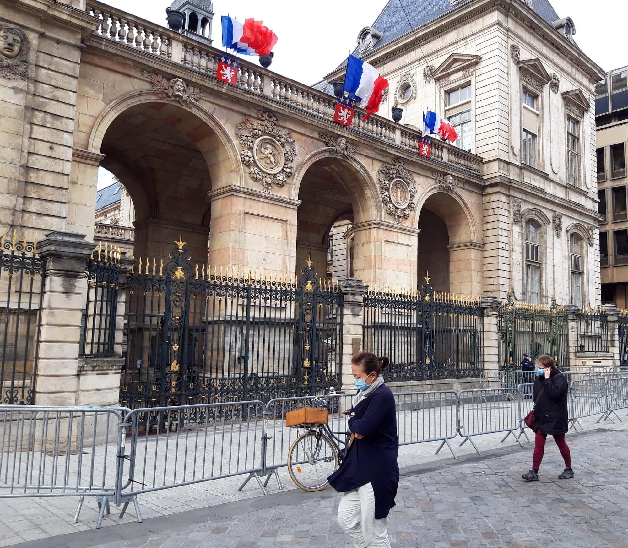 Obligation du port du masque contre la Covid-19 à Lyon le 25 septembre 2020. ©LB/Rue89Lyon
