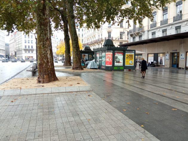 Sans-abri place République à Lyon