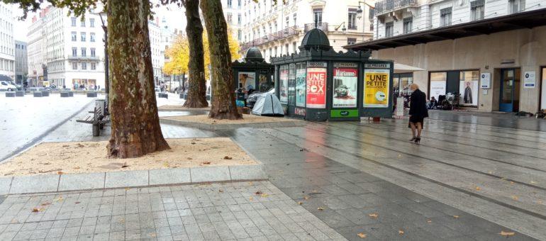 Sans-abri à Lyon : «Avec le couvre-feu tant que je ne dis rien je n'ai pas de raison d'être interpellé»