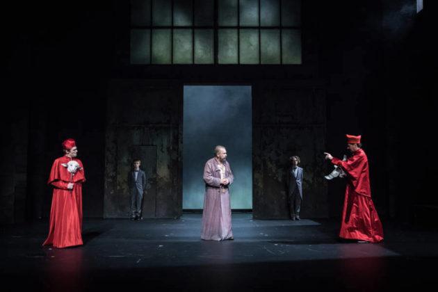 """""""La Vie de Galilée"""" (Bertold Brecht), mise en scène de Claudia Stavisky© Simon Gosselin"""