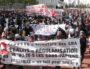 Place Bellecour, à Lyon, les sans-papiers du CSP69 ont pris la tête de la manifestation le 3 octobre 2020. ©AD/Rue89Lyon.