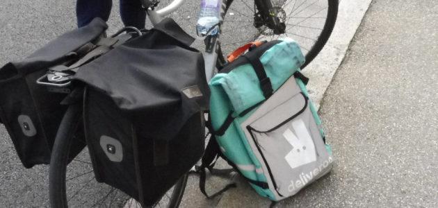 À Lyon, des centaines de livreurs à vélo sans-papiers exploités