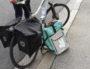Un livreur Deliveroo sans-papiers à Lyon avec son vélo ©AD/Rue89Lyon