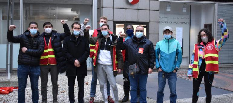 À Lyon, des livreurs à vélo veulent être reconnus comme salariés des plateformes