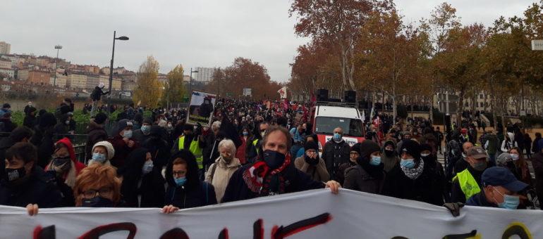 2ème manif contre la loi «sécurité globale» à Lyon : des milliers de personnes et un drone