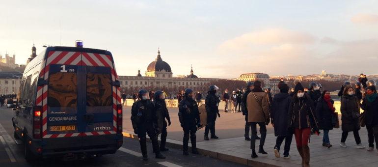 À Lyon, l'utilisation illégale d'un drone de la gendarmerie en manifestation