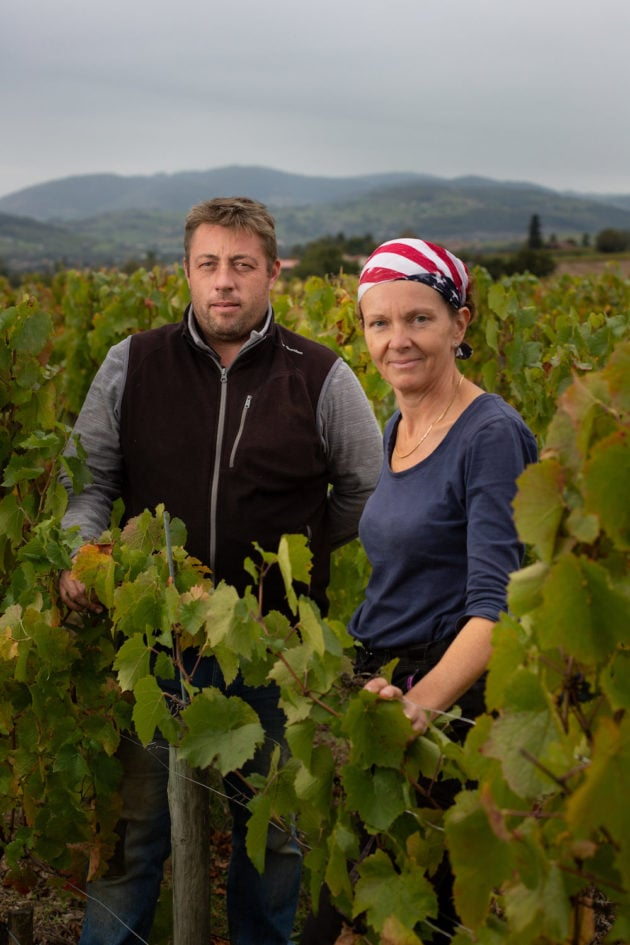 Florence Subrin, et son cousin Geoffroy. Deux vignerons du Crêt de Bine, Sarcey ©Matthieu Perret