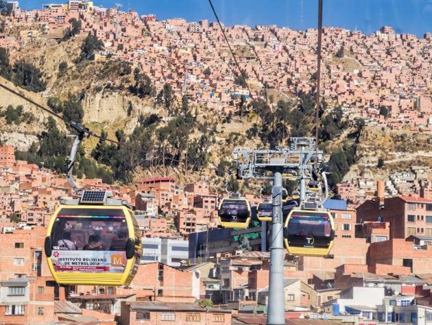 La ligne jaune du téléphérique de La Paz, en Bolivie ©Dan Lundberg
