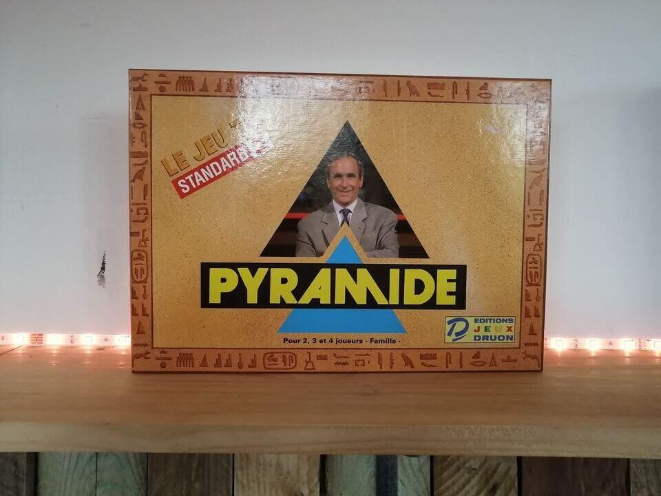 Qui peut se vanter aujourd'hui de posséder une boîte du cultissime jeu Pyramide ? Olivier Rey, apparemment. DR