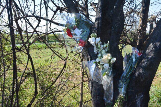 Des fleurs ont été déposées sur les lieux du drame de Meyzieu.