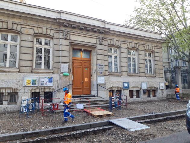 Travaux devant l'école Marc Bloch (Lyon 7ème)